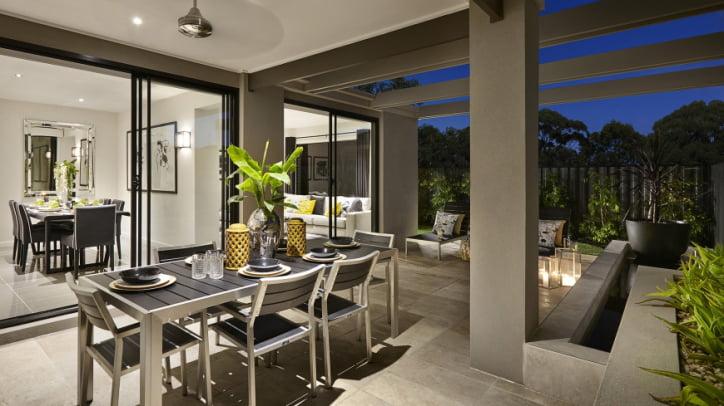 Diseño de la terraza y jardín de la moderna vivienda
