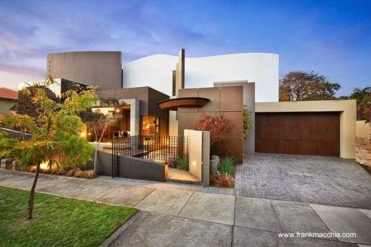 casa contemporanea con formas organicas en Australia