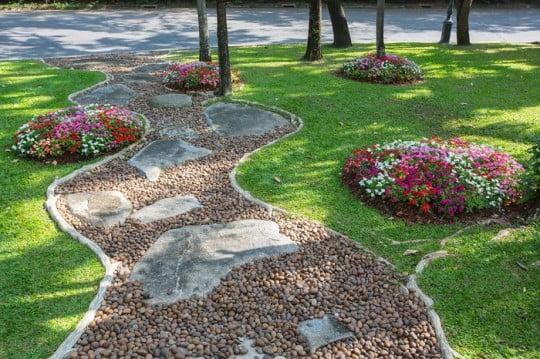 Jardín-con-piedras