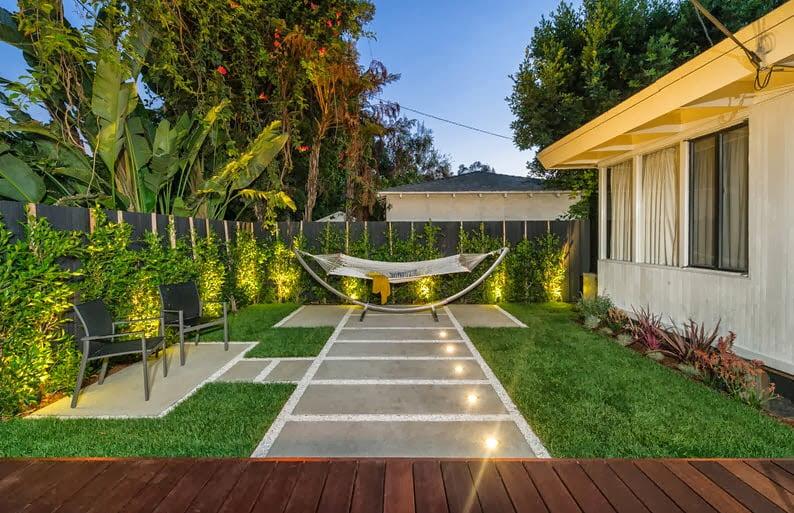 Siendo la terraza un sitio para el relax y descanso al aire libre de un hogar, un elemento principal es la hamaca y en el diseño se muestra claramente
