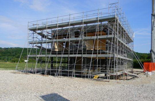 Construcción de casa ecológica y autosuficiente