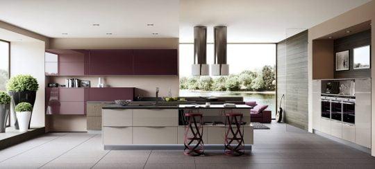 Hermosa cocina clásica, tanto la decoración como los muebles de cocina nos hacen recordar los ochentas pero con aires contemporáneos