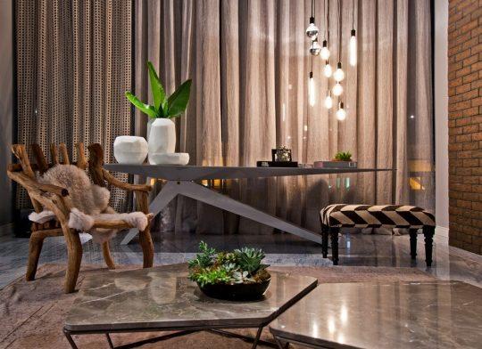 En la decoración del apartamento también se combinaron muebles rústicos con modernos consiguiendo un agradable efecto