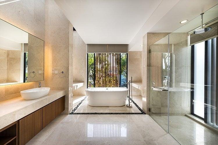 Diseño del cuarto de baño del dormitorio principal