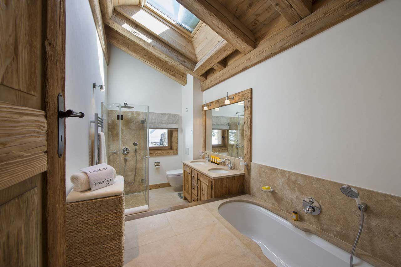 Diseño-de-cuarto-de-baño-rústico-con-aplicaciones-de-madera ...