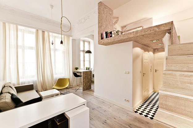 Una cuarta parte del apartamento ha sido empleado para la construcción de un dormitorio elevado, en este caso se han usado materiales reciclados livianos (3XA)