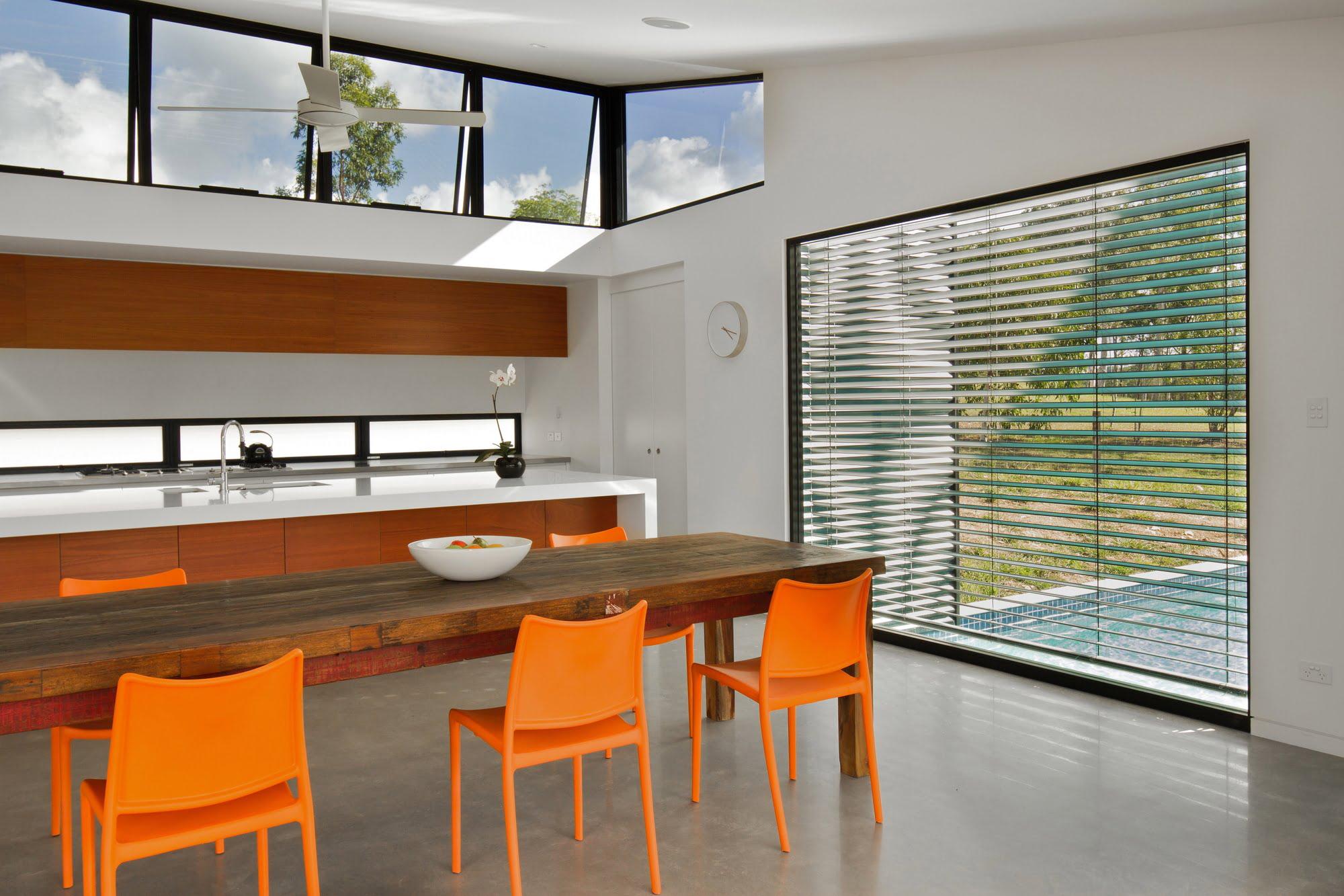 Diseño-de-cocina-comedor-en-casa-angosta - Constructora Paramount