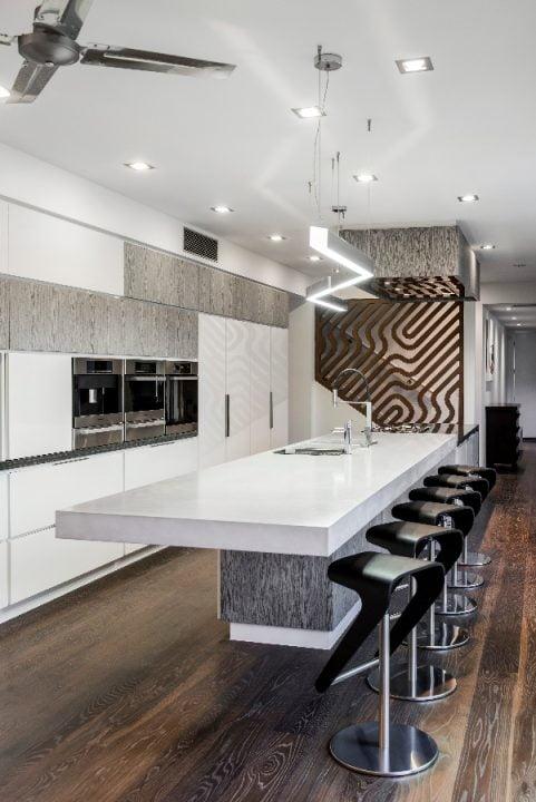 Diseño de la moderna cocina (Diseño: Interiors by Darren James)