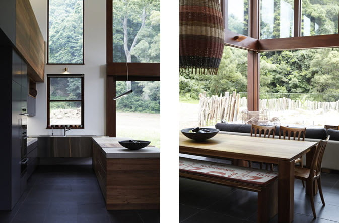 A la izquierda podemos ver parte del diseño de la cocina con su isla y a la derecha el juego de comedor hechas con madera de abedul y sauce
