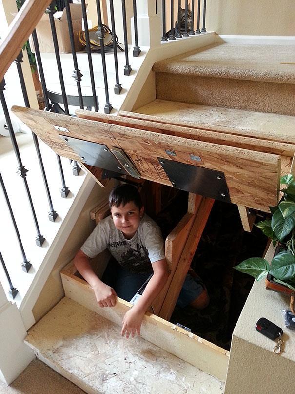 Éste es quizá el escondite perfecto, aunque también puede usarse como un lugar para almacenar cosas debajo de la escalera(Imagen: Smart Product Technology)