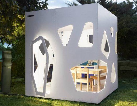 Moderno diseño de la casa para niños, permite una gran iluminación interior, es ideal como un cuarto de estudio para niños en el jardín (Diseño: Smartplayhouse)