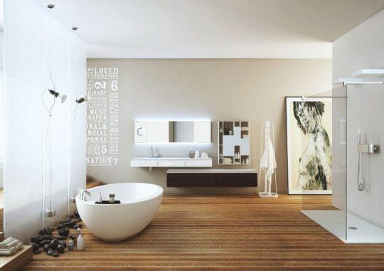 Un estilo joven y casual de este cuarto de baño con una dosis de arte