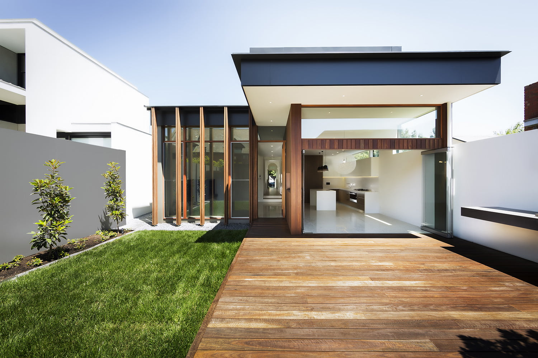Fachada principal de la casa – Fotos: Michael Kai Photography / Diseño: Mitsouri Architects