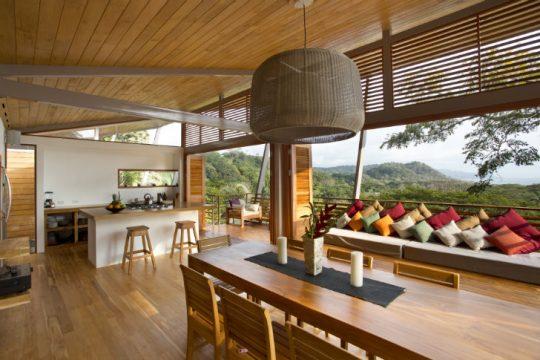 Diseño de interiores de casa estilo tropical