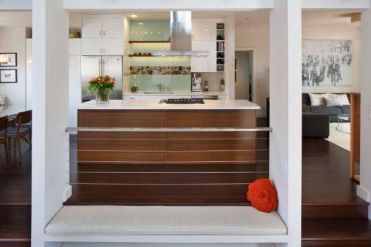 Vista de la cocina desde el área polivalente