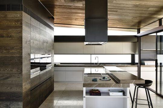 Diseño de la moderna cocina con isla