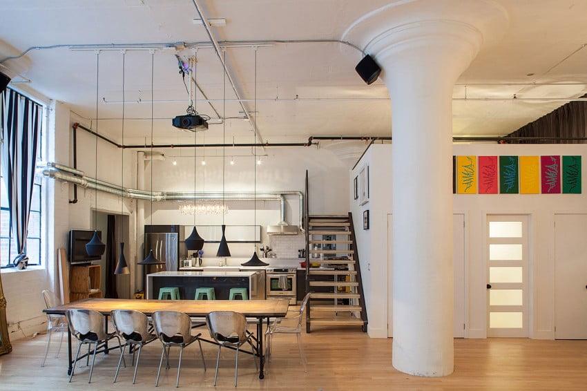 No puede faltar obras de arte en la decoración de interiores de departamentos