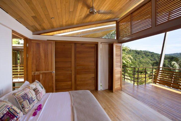 Dormitorio de la casa con vista al mar