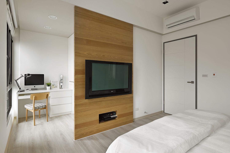 Diseño del dormitorio principal con pequeño espacio para estudio