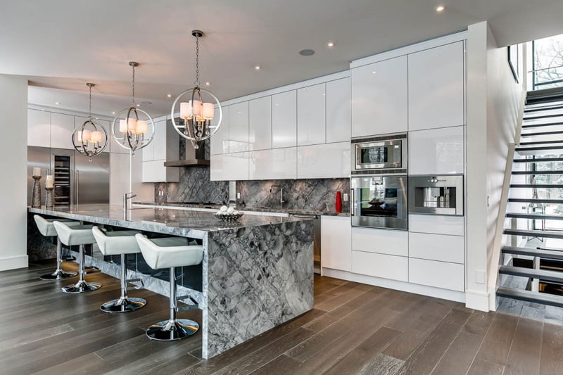 Diseño-de-cocina-con-isla-contemporáneo - Constructora Paramount