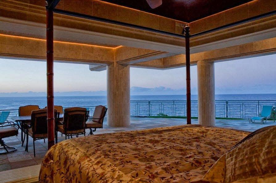 Vistas en diferentes ángulos desde este amplio dormitorio con terraza